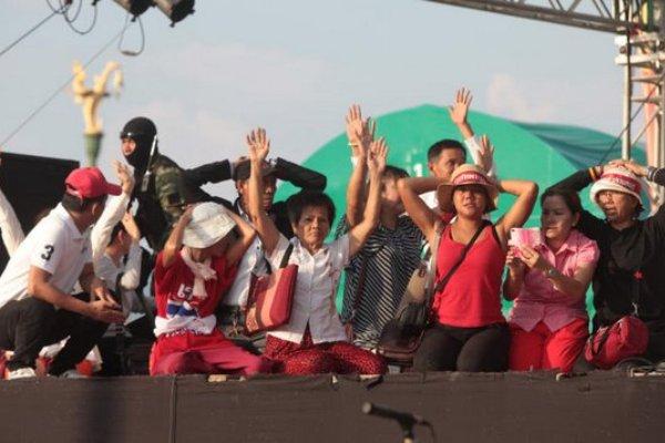 Auch die Rothemden-Demonstration am Rande Bangkoks wurde aufgelöst